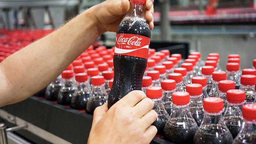 Reestructuración global: ¿Qué va a pasar con Coca-Cola en Argentina? -  Mundo Poder